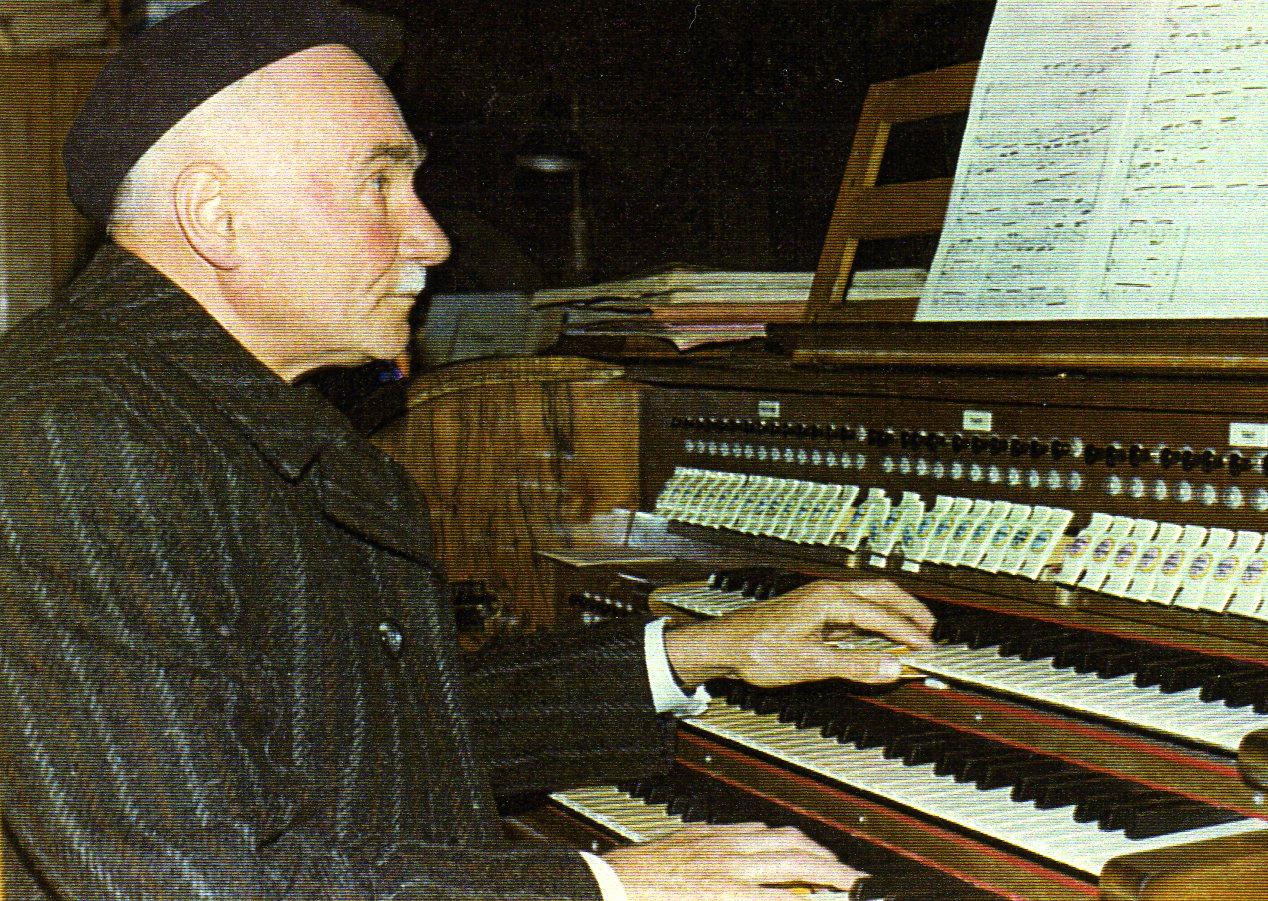 Maurice Guilllaume à l'orgue